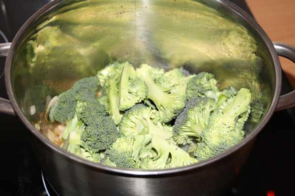 Broccoli in de pan
